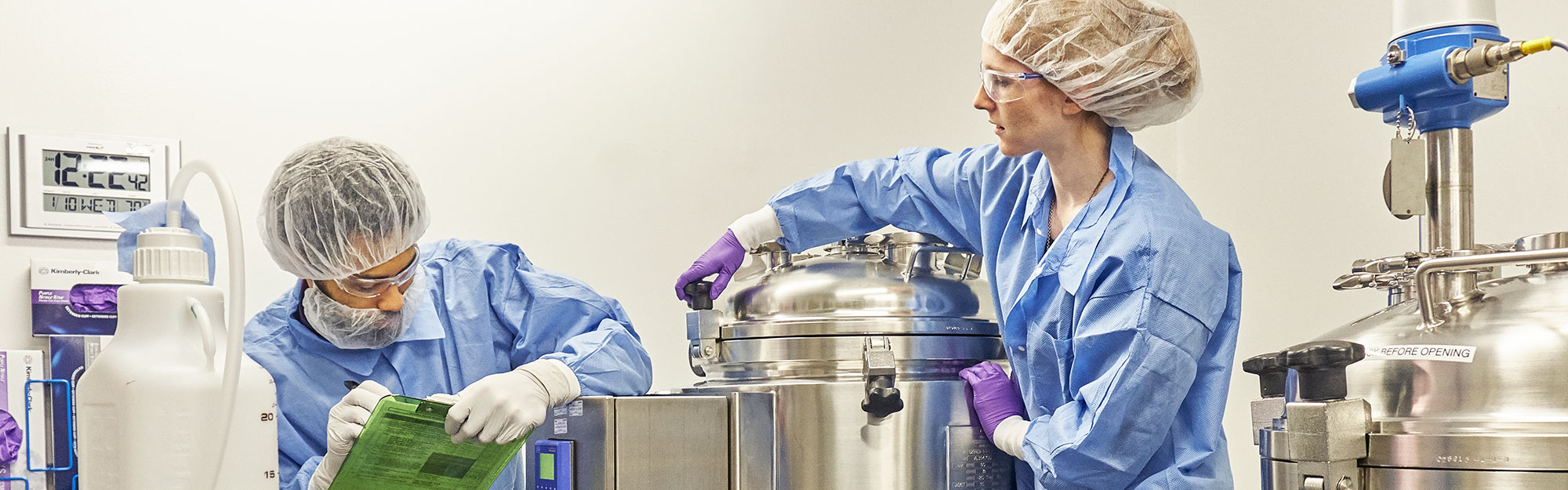 Two women in lab